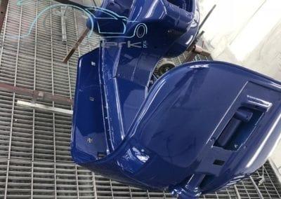 Roller-blau-lackiert