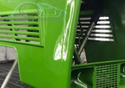 Traktor Motorhaube lackiert